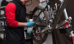 curatare bicicleta